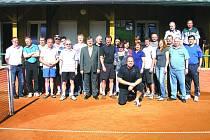 TENISOVÁ SEZONA VE KDYNI ZAČALA. V sobotu 28. dubna 2012 bylo kdyňským tenistům slavnostně předáno do užívání zrekonstruované zázemí tamních tenisových kurtů.