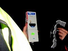 O víkendu naměřili policisté havarujícím řidičům vysoké hodnoty alkoholu. Ilustrační foto.