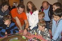 Festival deskových her přilákal do osvračínského zámku malé i velké hráče.