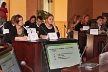 Domažličtí gymnazisté na Krajském úřadě v Plzni