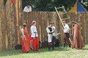 Letos se uskutečnila již třetí bitva na svaté Anně. Tentokrát se dobýval hrad. Nechyběly ani souboje s meči a palné zbraně.