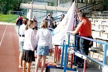 Zahájení olympiády výchovných ústavů na Městském stadionu Střelnice v Domažlicích.