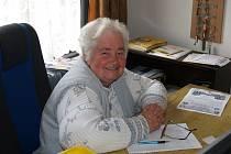 Pětasedmdesátiletá Milena Bulířová vede knihovnu v Chodské Lhotě už třicet let.