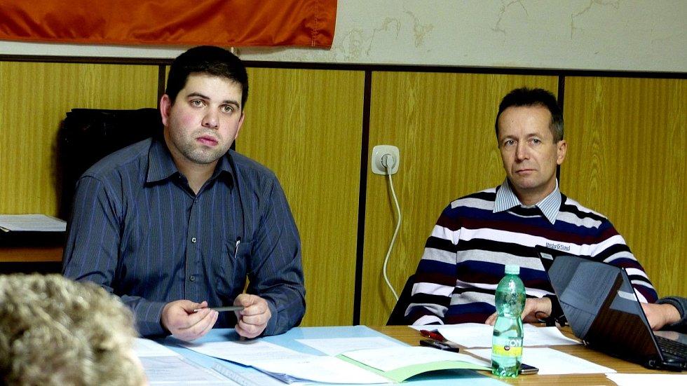 Třetí jednání klenečského zastupitelstva se zabývalo sporem Městyse Klenčí a firmy.