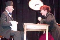 Přehlídky se zúčastní horšovskotýnští ochotníci úryvkem ze hry Otec svého syna.