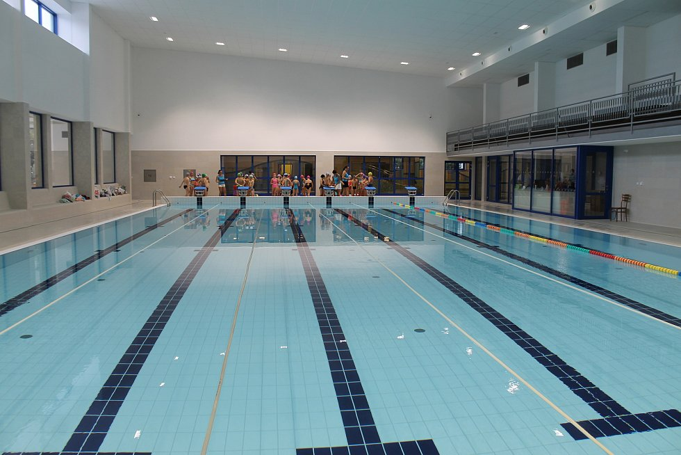 Nově zrekonstruovaný areál bazénu.
