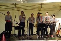 Kapela The Dixie hot licks vystoupila v domažlických Alejích.