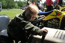 Jednou z mnoha úspěšných akcí pořádaných hlubockými hasiči byl dětský den.