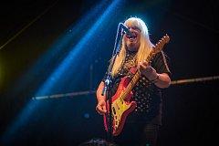 Andy Scott z kapely The Sweet v Holýšově.