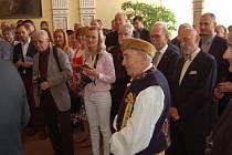 Antonín Konrády při sobotní slavnosti v obřadní síni domažlické radnice.