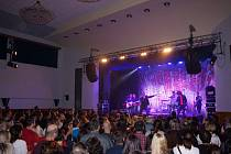 Skupina MIG 21 vystoupila v rámci turné Svoboda není levná věc v pátek 10. listopadu v Městském kulturním středisku v Domažlicích. Zájem o živý koncert této úspěšné skupiny byl skutečně obrovský.