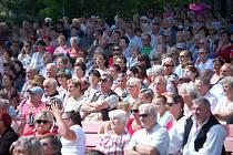 Pravidelně se domažlické letní kino zaplňuje při nedělním odpoledním programu Chodských slavností.