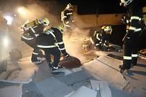 Požár haly v Klenčí pod Čerchovem.