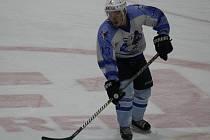 Václav Polívka ještě v dresu HC Domažlice, za který ještě v uplynulé sezoně vstřelil osm gólů v krajské soutěži.