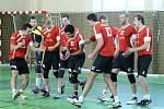 Prvním soupeřem volejbalistů Jiskry Domažlice v novém ročníku II. ligy byly jihočeské Netolice.