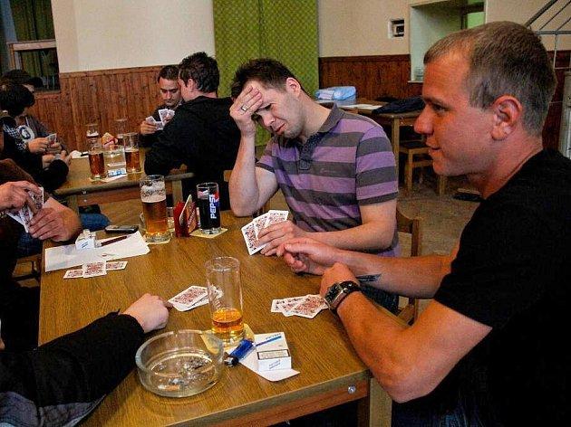 Karetní turnaj v Srbech.
