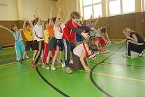 Společné sportovní hry školáků z Domažlic a Furthu im Wald.