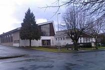 Dalším obecním záměrem je rekonstrukce Kulturního domu s restaurací, která bude velice nákladná. Nyní Obec Pocinovice čeká na vhodnou dotaci.