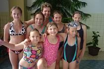 V rámci všestranné přípravy se sokolové věnují i plavání.
