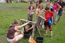 Vymyslet program pro volný čas dětí není vždy snadné. Rodičům pomáhají organizace, které pořádají tábory či sportovní aktivity.
