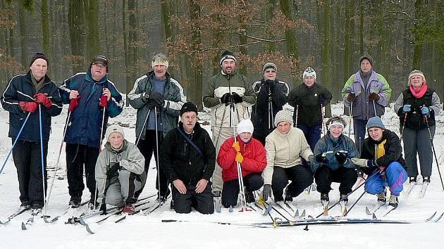 Premiérové Bílé stopy ve Štichově se zúčastnilo patnáct běžkařů.