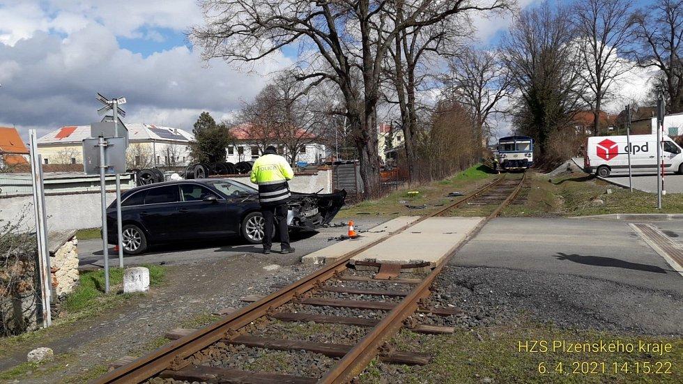 Nehoda na železničním přejezdu v Horšovském Týně.