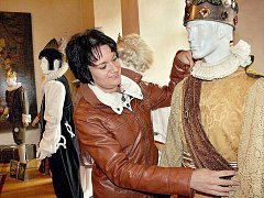 Výstava kostýmů ze seriálu Arabela na zámku v Horšovském Týně.
