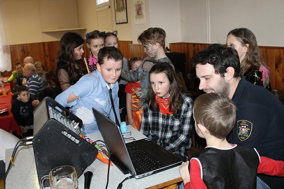 DJ Típ hrál dětem i písničky na přání.