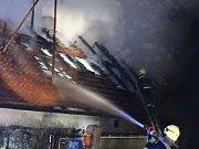 Požár rodinného domu v Chocomyšli.