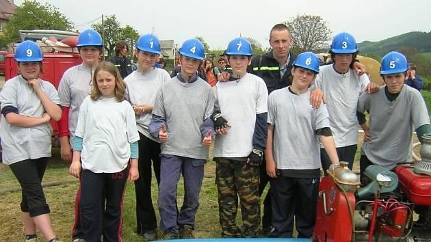 Milavečtí mladí hasiči při jedné z loňských akcí.