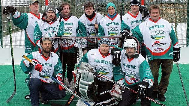V Rybníku se koná turnaj v pozemním hokeji.