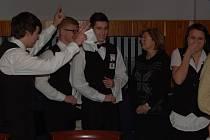 Emoce vítězů z Hotelové školy M. Lázně krátce po oznámení jejich vítězství v Regionální soutěži ve stolování.
