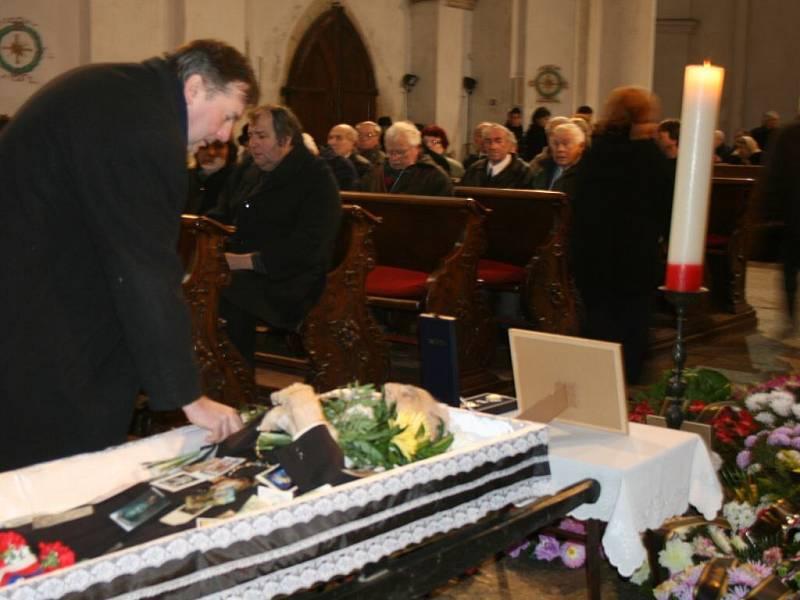 Reportáž z pohřbu Jakuba Blackého