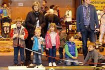 Na výstavě Domažlický Modelář 2014 byly nadšené hlavně děti.