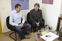 Radní Šobr (vpravo) na setkání s Josefem Nejdlem, ředitelem Muzea Chodska.