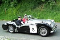 PASTVA PRO OČI. Ve startovním poli Rallye Wiesbaden nechyběl ani tento krásný Triumph TR 3 A vyrobený v roce 1962.