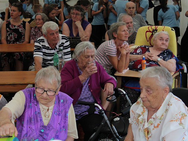 Oslava 15. výročí Domova pro seniory ve Kdyni.