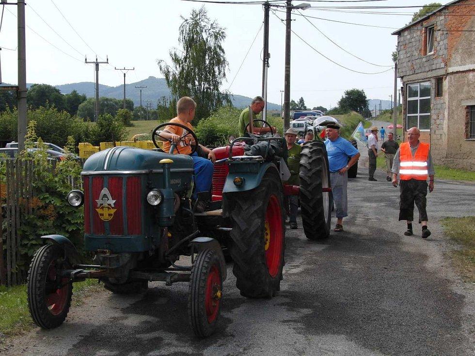 Z premiérového setkání traktorů v Sedlicích.