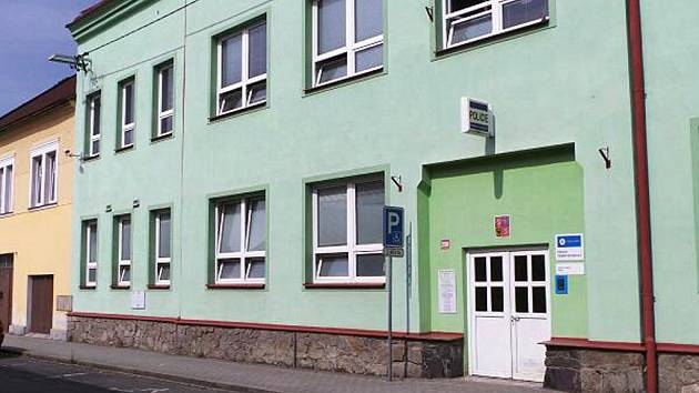 Budova, kde sídlí i rehabilitační centrum.