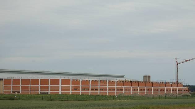 Druhá hala velkomalahovské drůbežárny byla postavena a zkolaudována v r. 2013.