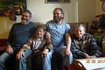Fotografie rodiny Grulichových, všichni byli počátkem května 1968 přítomni nahrávání Hofmannova svědectví
