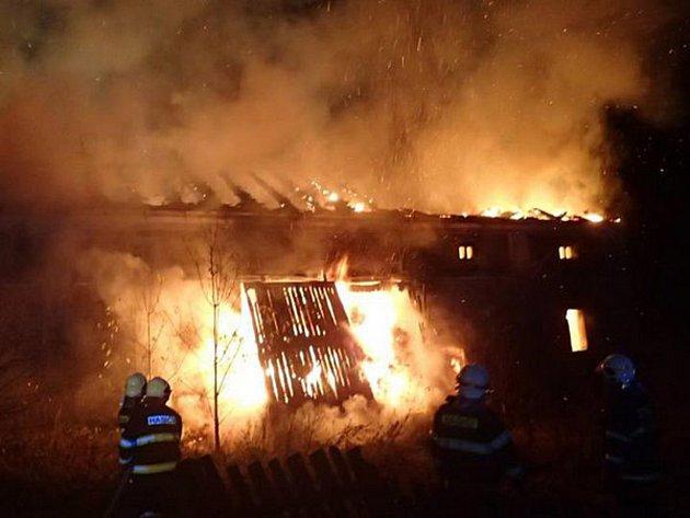 ŽHÁŘE semněvických požárů se vypátrat nepodařilo.