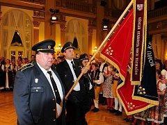 Při letošním Pošumavském věnečku nemohli chybět zástupci SDH Tlumačov, ani jejich starosta Václav Sladký (vlevo).