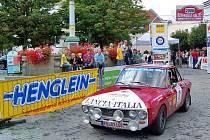 Na startu nebudou ani letos chybět automobily, které ve své době kralovaly na tratích světových rallye, jako tato Lancia Fulvia HF.