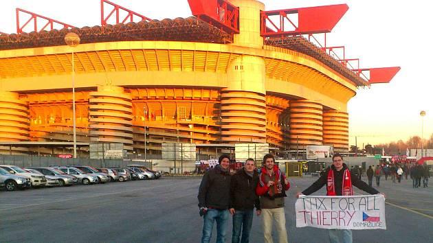 Fanoušci z Čech na San Siru v Miláně.