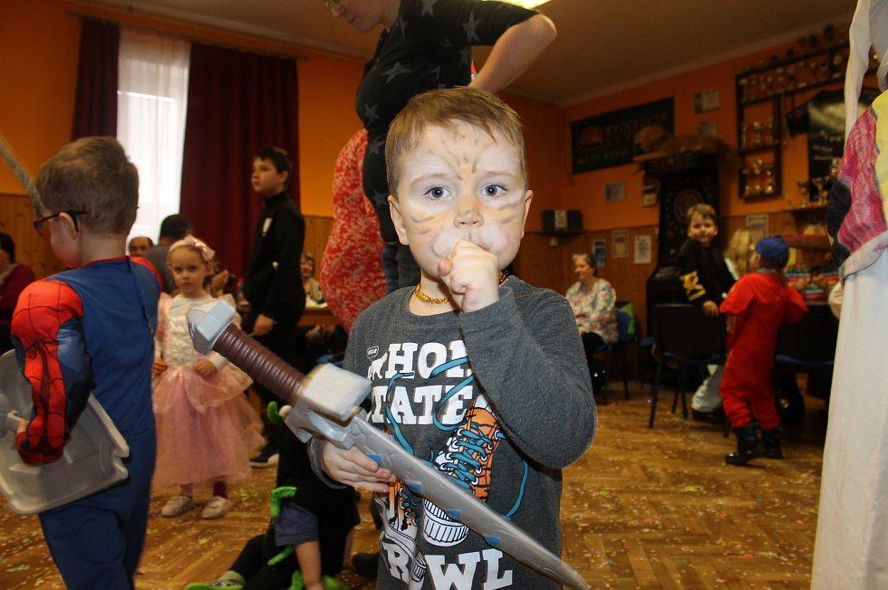 Dětský maškarní bál v Hluboké.