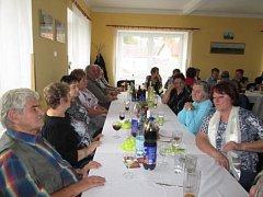 Setkání u příležitosti dne seniorů v Semněvicích