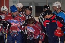 Z utkání Ice Barons s Rakonem B.