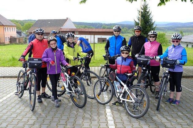 Start akce Na kole z Čech do Bavor.