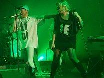Přední česká kapela Monkey Bussiness potěšila své fanoušky sobotním vystoupením v domažlickém Městském kulturním středisku.